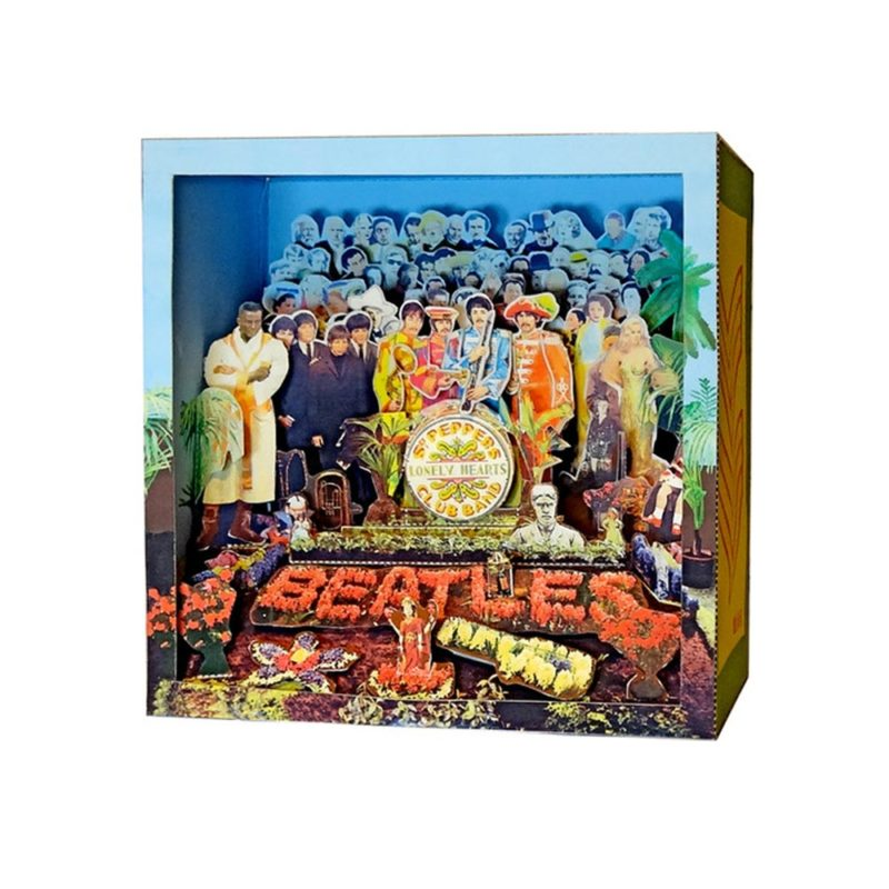sgt.-peppers-diorahma-beatles